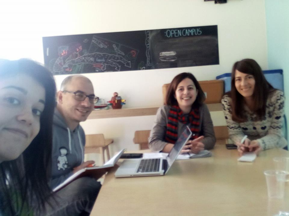 riunione team cagliari coworking